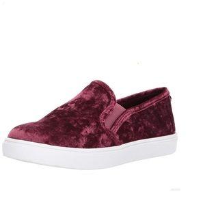 Steven Madden Velvet Sneakers